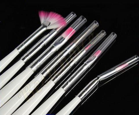 Set de 7 pinceles (uñas-cosméticos-peelings) 1.30 € (Gtos. de envío incluidos) ACTUALIZADO